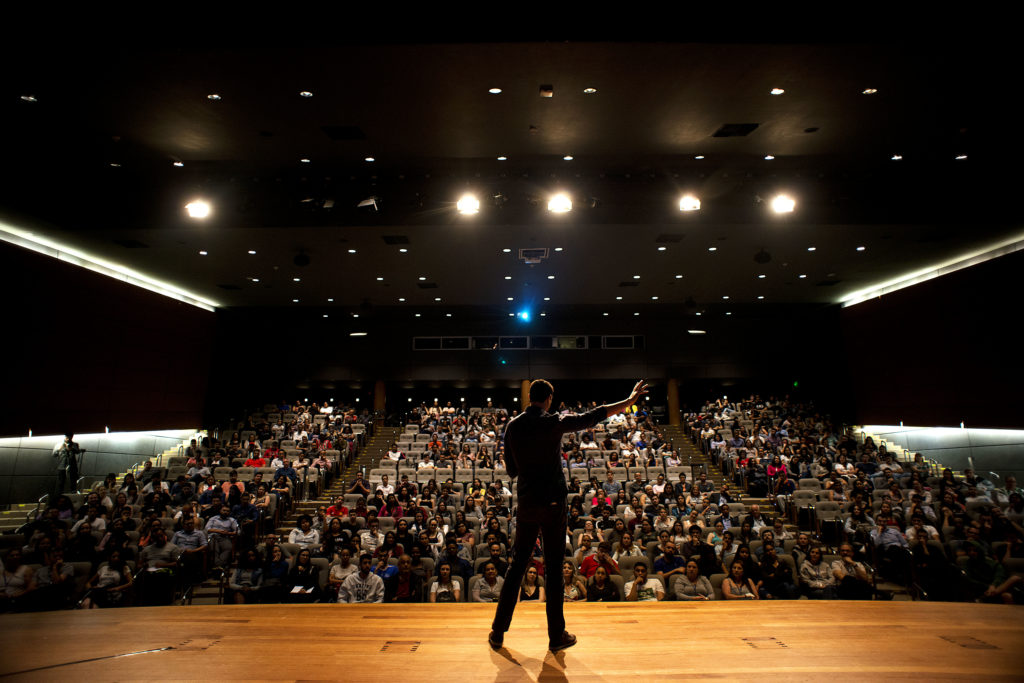 Gustavo Borges em palestra Motivacional